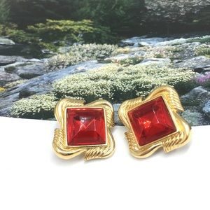 Vtg signed Trifari red crystal gold clip earrings